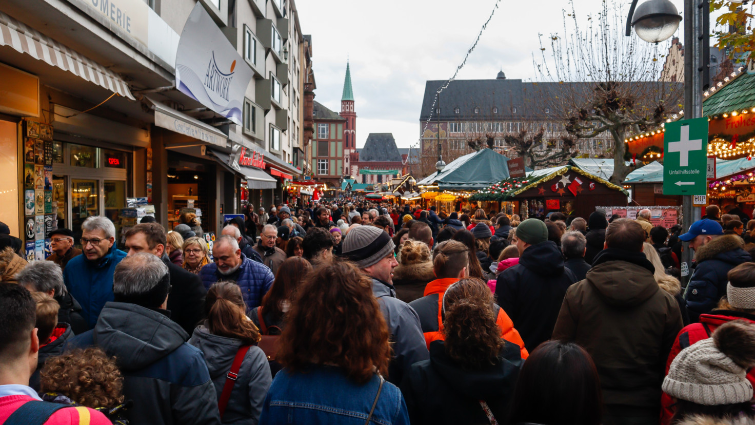 Germanys population reaches record high but growth is slowing