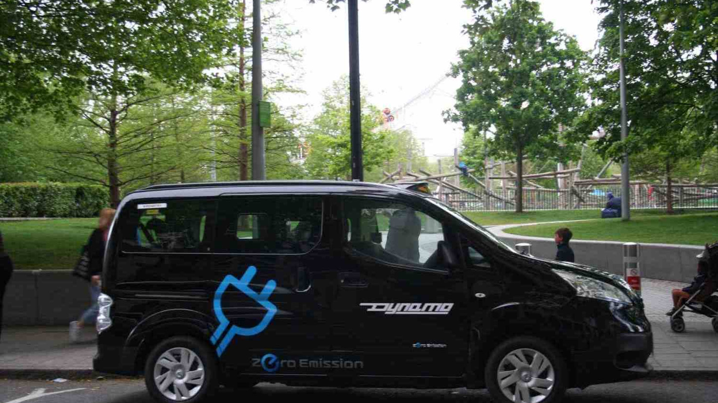 First electric taxi launches in London amidst plans to combat pollution